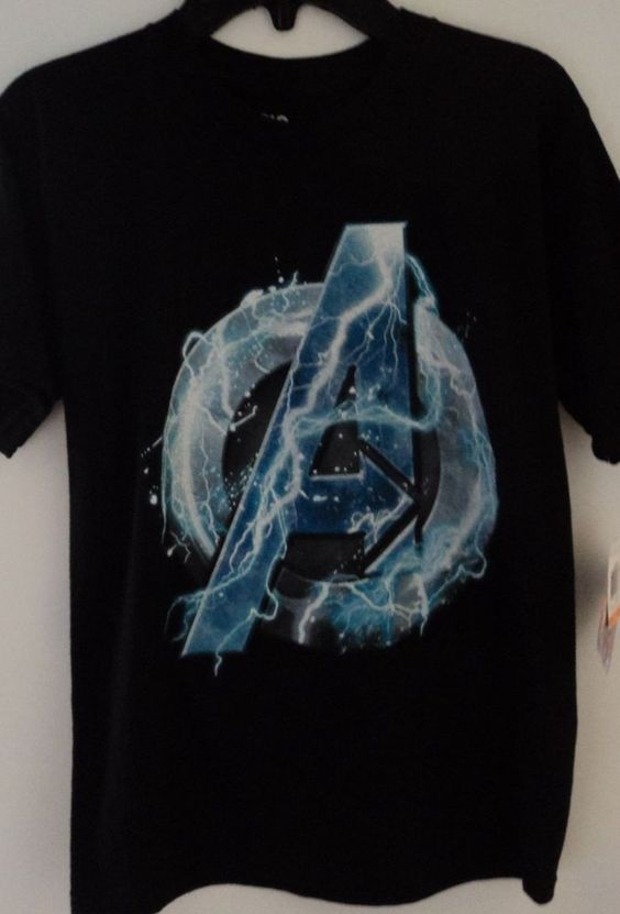 NEW Epic Threads Boy's Marvel Avengers Super Hero T-Shirt Size Small…