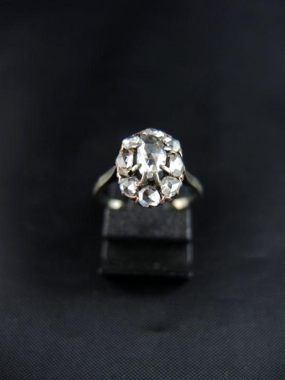 Bague marguerite et diamants taillé en rose - dèbut du XXe siècle /// Cluster…