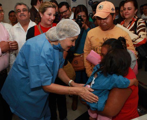Leticia Coello, día a día atiende población vulnerable - El Valor de Servir