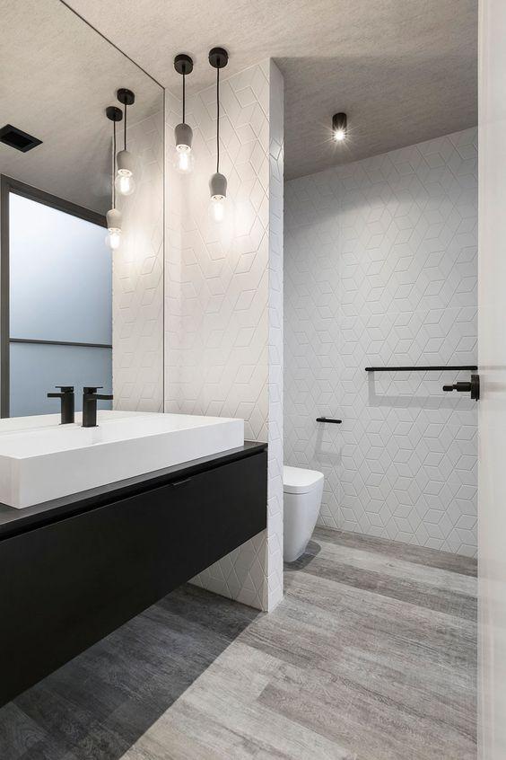 Crea contrastes si quieres un baño minimalista BAÑOS Pinterest