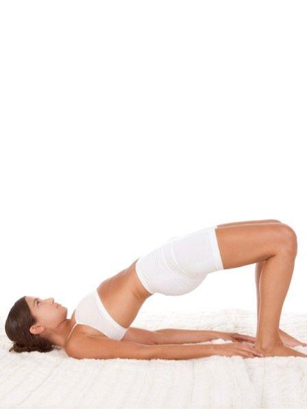 Sie haben genug von all den ganzen Bauch Beine Po Übungen? Wir kennen eine einzige Übung, die alle drei Problemzonen fordert. Und Sie kennen diese Übung auch.