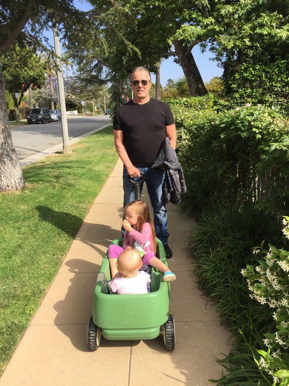 https://twitter.com/ Victor with his grandchildren  Eric Breaden