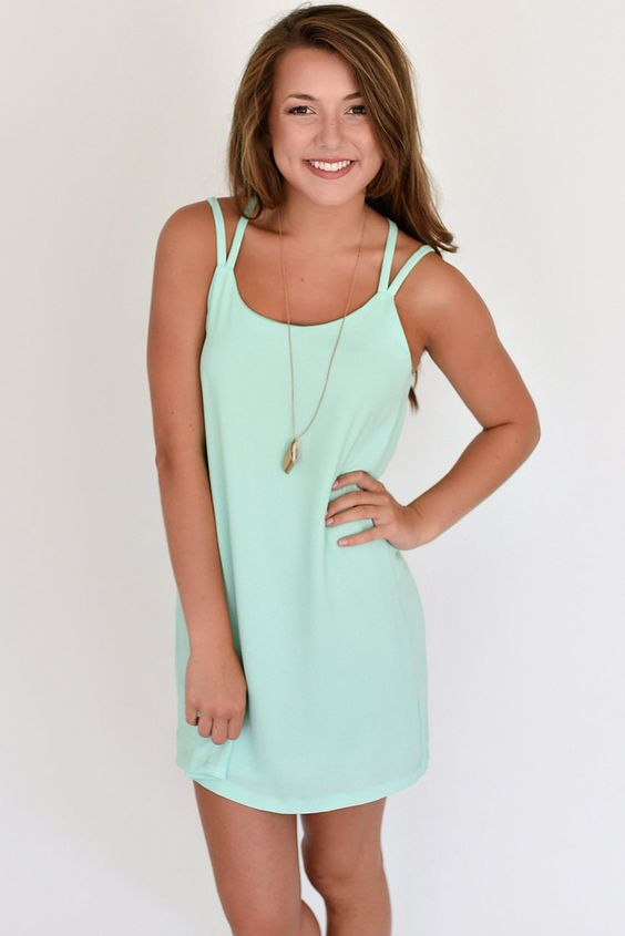 You've got to love those dresses that are so versitile that they can be dressed up or down to suit your every need. This is one of those dresses. Pair with wedges and go to a party, or throw on some sandals and a button-up around the waist and go run some errands. Whatever you need, it's there for you.