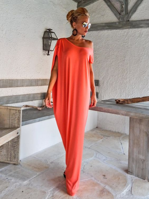 Coral Maxi Dress / Kaftan / Maxi Dress / Summer Dress / Plus Size Dress / Elegant Dress / Abaya / Evening Dress / Day Dress / #35085 This elegant, sophisticated, loose and comfortable maxi dress, looks as stunning with a pair of heels as it does with flats. You can wear it for a