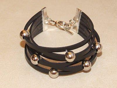 Nica: pulseras en cuero plano negro