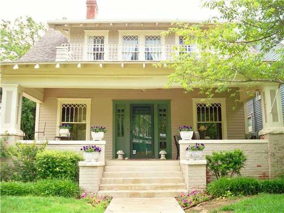 Craftsman styles of houses and front doors on pinterest for Craftsman style homes in okc