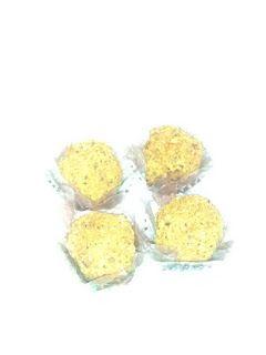 Brigadeiros Gourmet: Brigadeiros com amendoins e amêndoas