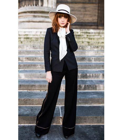 Louise Ebel, Smart Suit.