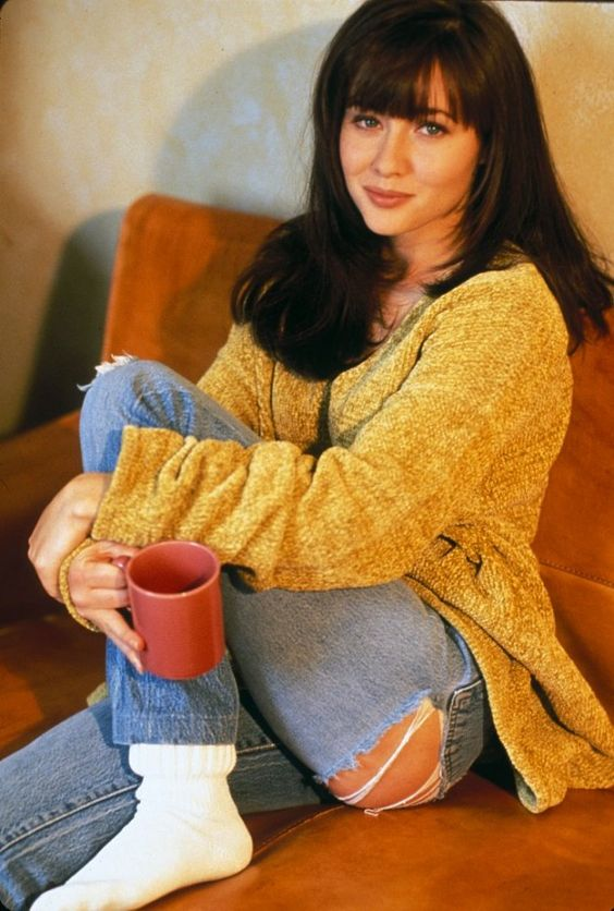 Brenda Walsh: How To Look Like The Babeliest Babe of Beverly Hills 90210