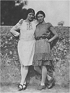 Tina Modotti (photographer most famous for her pictures of Frida Kahlo) and her subject, Frida Kahlo.....1928.