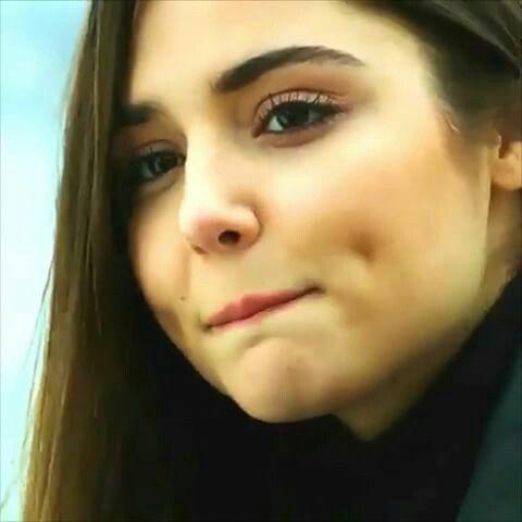 Hande Ercel Hande Ercel Beautiful Girl Face Brunette Makeup