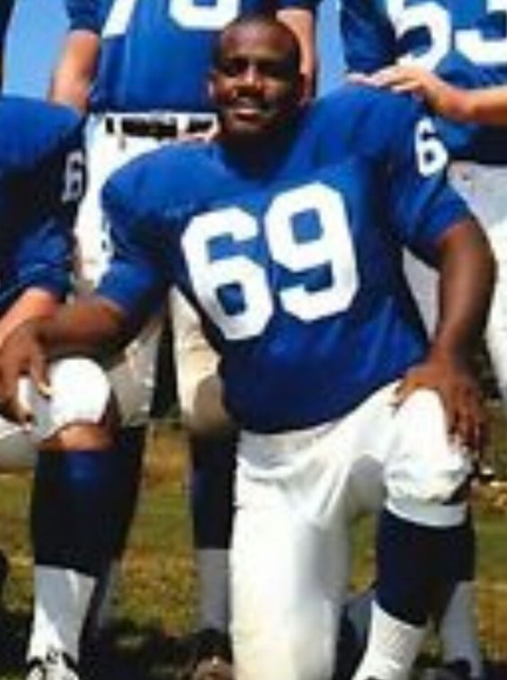 WILLIE YOUNG | New york giants, Sports jersey, Jersey