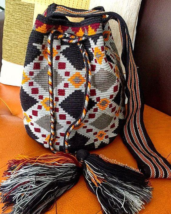 Mochila Wayuu 1 Hebra ⚫️⚫️⚫️⚫️ - Handmade - Original Wayuu @lanostraartesanal: