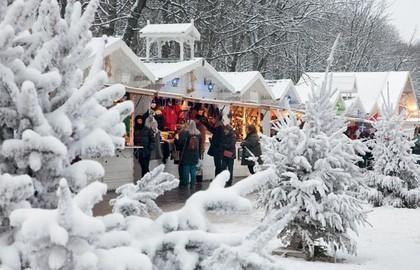 Christmas Market under snow in Paris