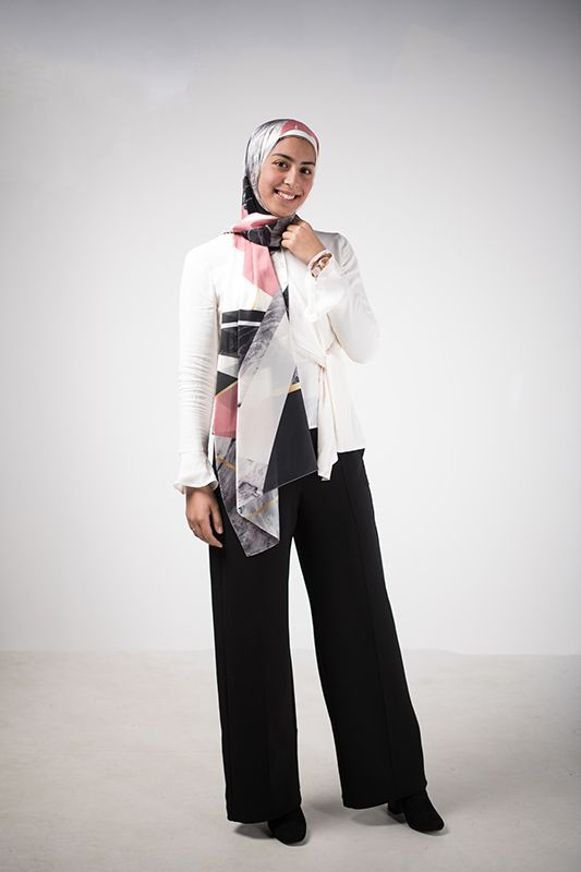 A Basic Formal Outfit With A Scarf That Spices It Up Hijabi Fashion Casual Formal Outfit Semi Formal Outfits