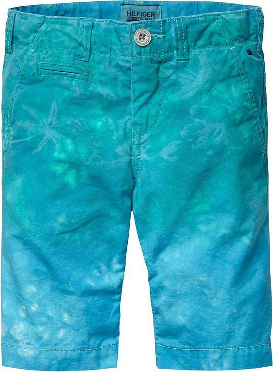 Mit der coolen Shorts von Tommy Hilfiger kann der Sommer kommen.98 % Baumwolle, 2 % Elastan...
