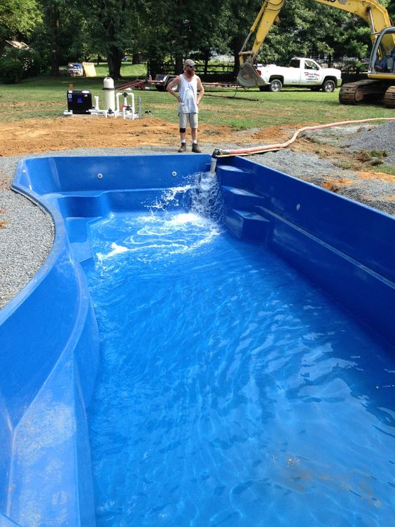 Filling Her Up With The First 6 000 Gallons Of H2o Fiberglass Pool Install 43 Pinterest