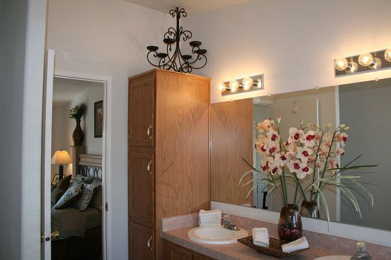 STAY AT ~ Hummingbird Ranch Vacation House awaits your visit in Southeastern Arizona. ~Wk Special $695~ $129 Nightly w/ 3 NT min or $2250 ~ $2450 month. Close to 2 National Parks ~ The Cochise Stronghold & The Chiricahua National Monument, 3 Ghost Towns and ground zero for the Winter Birding Migration. 45 Min drive to Tombstone, AZ 520-265-3079  http://vacationhomerentals.com/68121