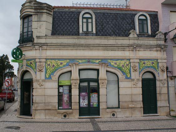 Edíficio de Arquitetura Arte Nova onde está instalada a Farmácia  Brandão.