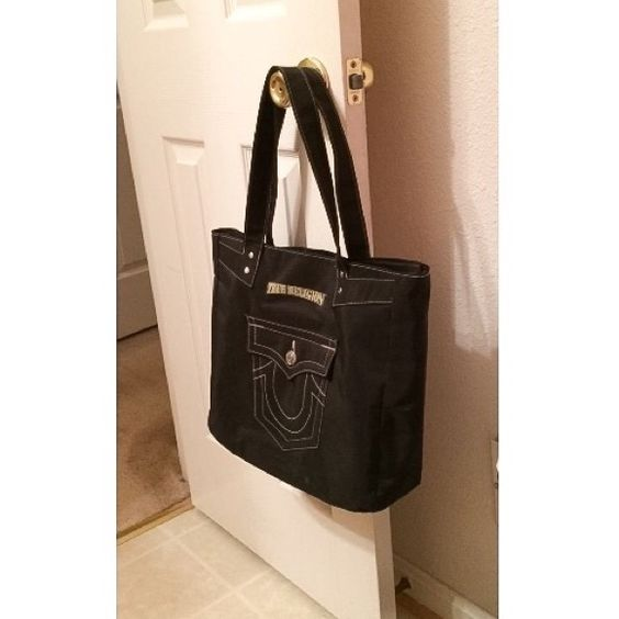 AUTHENTIC True Religion Tote Prefect for traveling :) True Religion Bags Totes