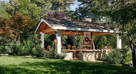 Google Image Result for http://www.williamecartercompany.com/images/outdoor-living-spaces/outdoor-living-spaces_0000_00.jpg