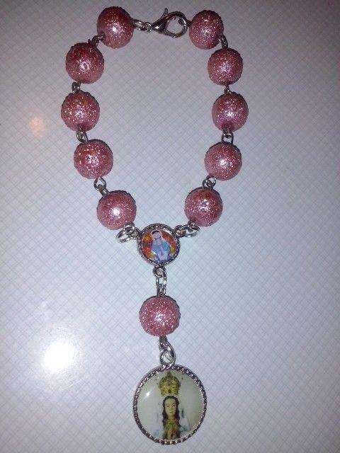 Denario con perlas de vidrio