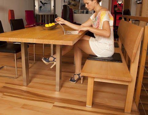 holzf e der bank mit edelstahlplatten tischbeine aus. Black Bedroom Furniture Sets. Home Design Ideas