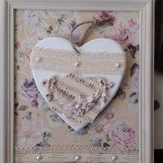 Tableau et coeur en bois dentelle ancienne inspiration shabby chic