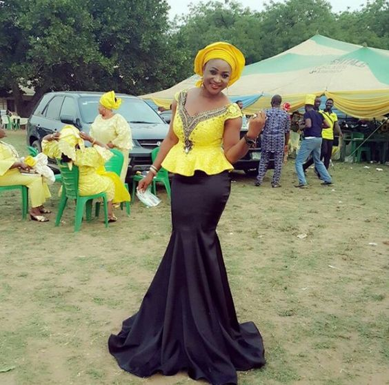 You Want A Glam Style For Your Asoebi Try This Amillionstylescom: