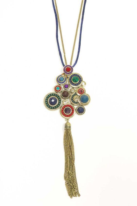 Pour un look Bohème Chic réussi ! Collier sautoir pierres multicolores et tassel métal (24.80€ au lieu de 31.50)