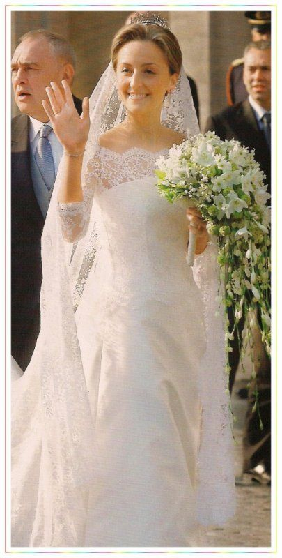 Wedding Dresses  Belgium : The wedding dress claire louise coombs princess of