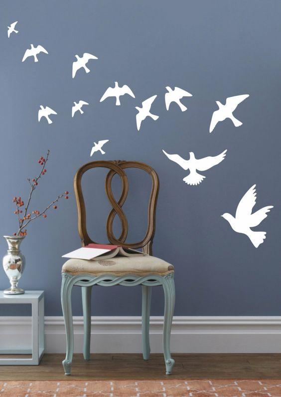wandtattoos wei e v gel blaue w nde wanddekoration interior wallpapers farben und coole. Black Bedroom Furniture Sets. Home Design Ideas