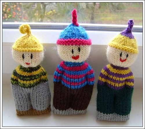 Free Patterns For Knitted Dolls : Knitted Comfort Dolls - Free Pattern : http://www.squidoo ...