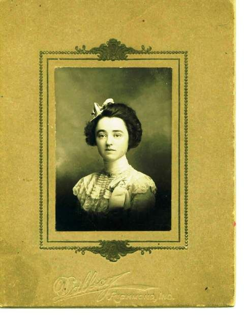 jessie coggeshall putnam (my great-grandfather's sister) 1905?.  she's the one who gave my grandmother the alice in wonderland book in 1916.  i think she looks a lot like amanda !