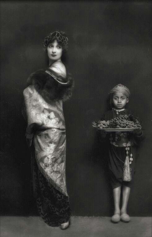 E.O.Hoppé : Hazel Lavery ( Lady Lavery ), England. 1914: