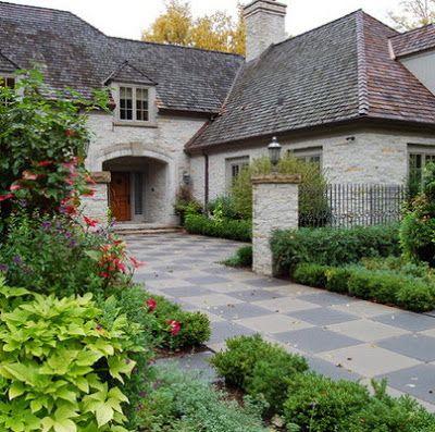 Fachada de casa rústica clásica