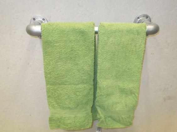 Handdoekenrek Keuken Design : Het #steigerbuizen #handdoekenrek heeft een eigentijdse design en