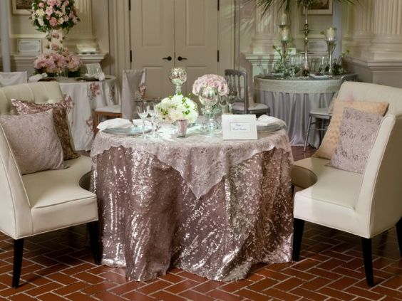 Designer: Event Creative; Linens: Champagne Diedra and Champagne Fish Scale #wedding