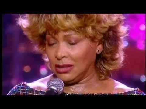 Tina Turner cantando Let's Stay Together ao vivo no álbum Celebrate!, gravado no ano 2000 em comemoração aos seus 60 anos de idade.