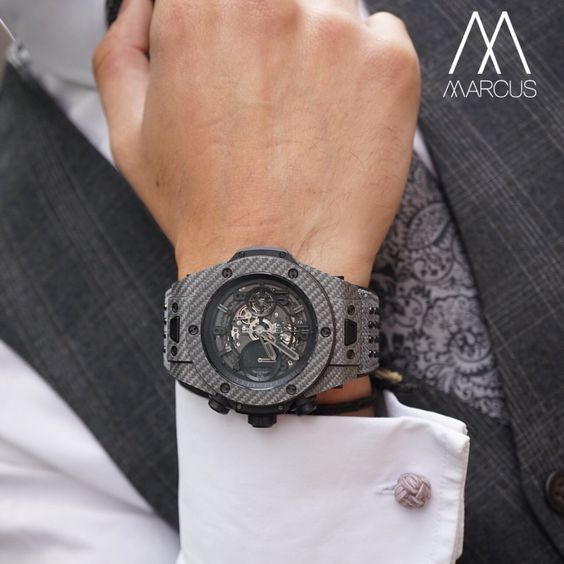 Hublot Big Bang Unico Italian Independent in grey carbon fiber and texulam. Limited to only 500 pieces. Wouldn't mind having this stallion for my Sunday breakfast