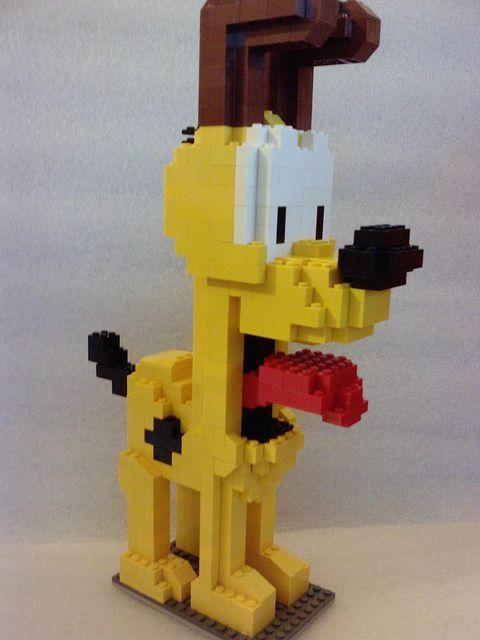 pluto van lego maken