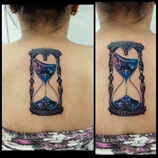 Resultado de imagem para tatuagem de ampulheta aquarela