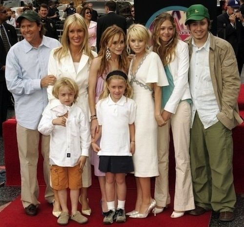 26 Must-Know Facts About Mary Kate And Ashley Olsen ...
