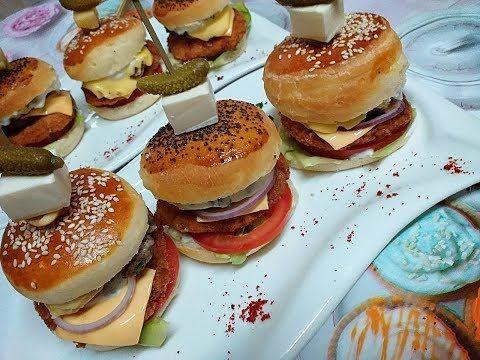 Burgers Double Cheese Viande طريقة تحضير خبز البرڨر مع الحشو و صلصة الجبن Youtube Sandwiches Food Breakfast