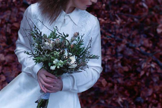#kvitizlesa #fashioneditorial @martinastyling #weddingeditorial #forestwedding #weddress #photographer #fofimemodu #photography #fashionphotography #fashionphotographer #flowers #weddingbouquet #weddingflower #svatebnikytice #kyticky #pronovias #bridestyle #czechmodel #czechrepublic #svatebnifotograf #svatba #fashionmodel #wedding #tw