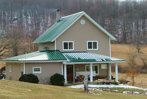 I Want A Green Tin Roof On My Cedar Stone House Our Future Home Metal Roof Houses House Paint Exterior Green Roof House