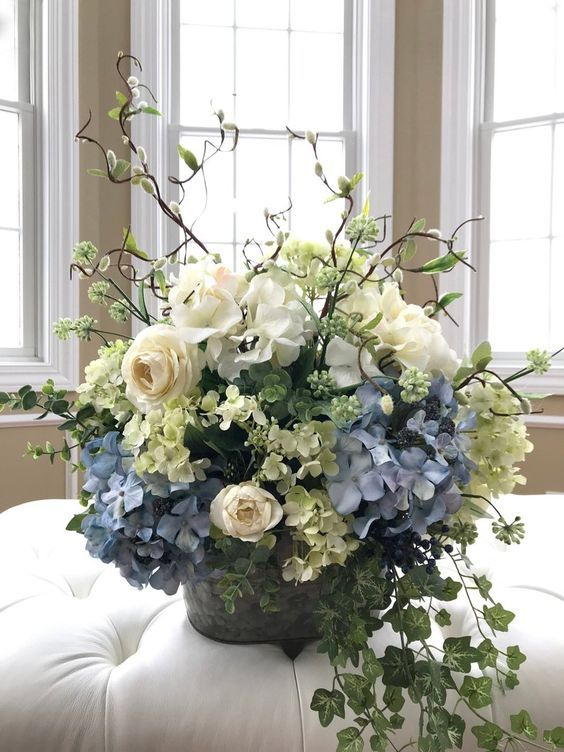 52 Beautiful Flower Vases Ideas For Home Decoration Page 34 Of 52 Soopush Hydrangea Arrangements Silk Flower Arrangements Flower Arrangements