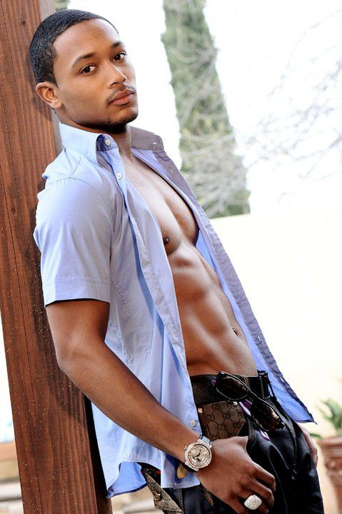 Romeo Miller (aka, Lil Romeo).... Oh wow! He grew up nicely!!!