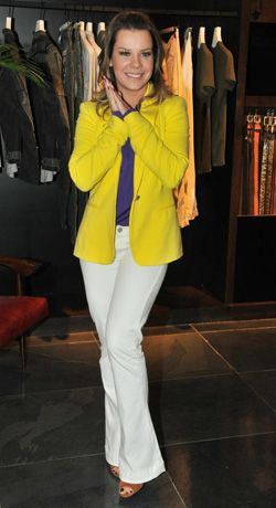 Fernanda Souza  - Gostei do look, mas acho q ficaria melhor com uma calça escura.