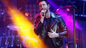 Resultado de imagem para adam levine singing